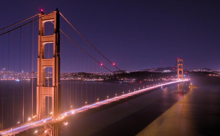 Golden Gate Bridge at night.